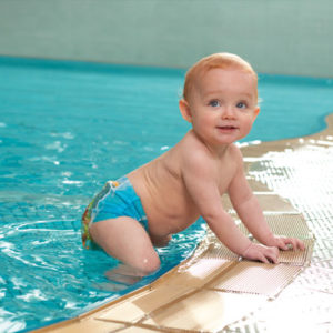 Bambini in piscina d'estate: 5 regole da seguire
